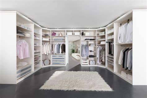 begehbarer kleiderschrank design 9 best images about schrank on walk in closet