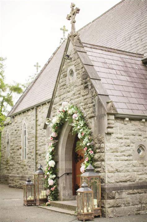 decoracion de iglesia para boda cristiana decoraci 211 n de entrada a la iglesia blog de bodas de una