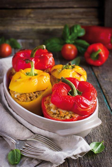 cucinare peperoni ripieni ricetta peperoni ripieni al forno hobbydonna it