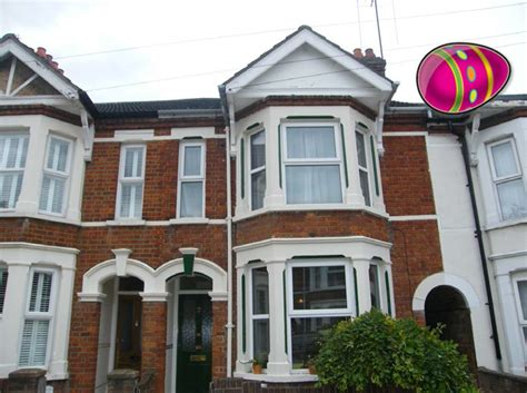 3 bedroom house for sale in bedford 3 bedroom terraced house for sale in gladstone street