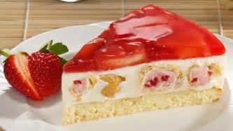 kuchen mit windbeutel windbeutel torte mit erdbeeren und eierlik 246 r