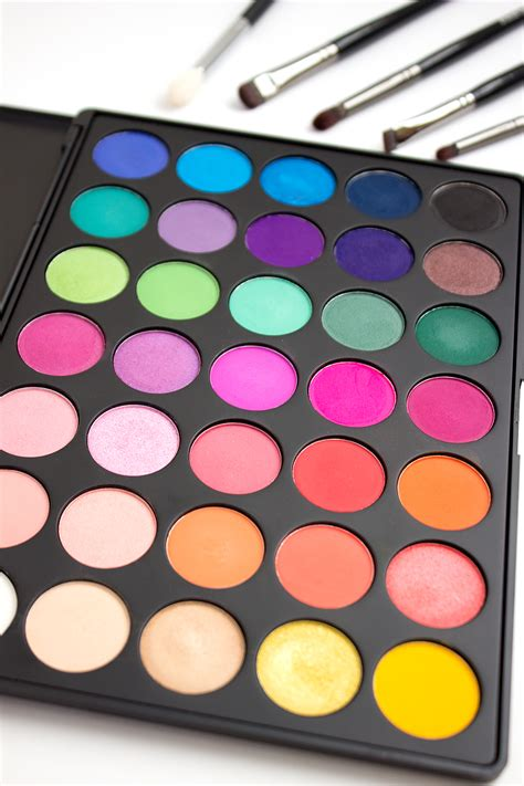 colorful eyeshadow palette blushing birdie morphe 35b color glam eyeshadow
