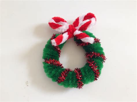 pipe cleaner christmas wreath 1 pipes wreaths and craft