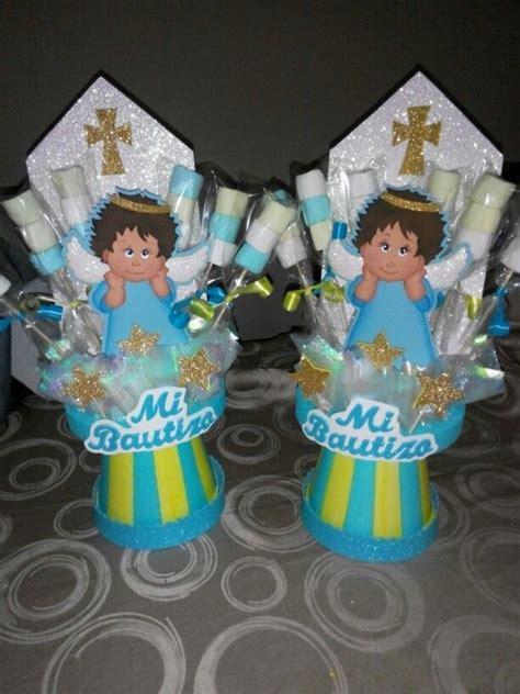 www arreglos de mesa para bautizo mesa de invitados bautizo ni 241 o decoraci 243 n en tonos algo de lo que yo hago un sencillo pero lindo arreglo para bautizo de ni 241 o cupcakes y