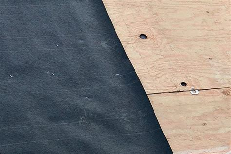 synthetic roof underlayment vs felt roof underlayment felt or synthetic