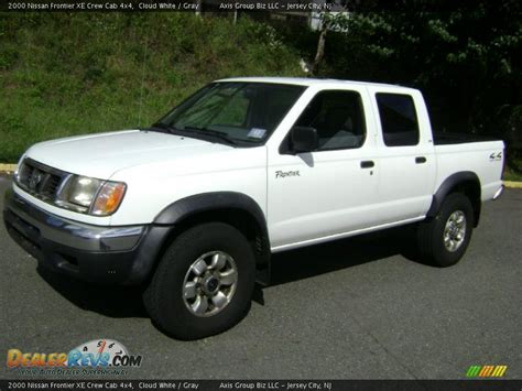 2000 Nissan Frontier Xe Crew Cab 4x4 Cloud White Gray