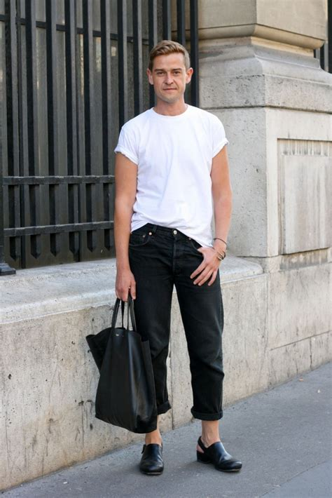 Kemeja Casual Chelsea Bluewhite black and white menswear looks 4 wgsn insider