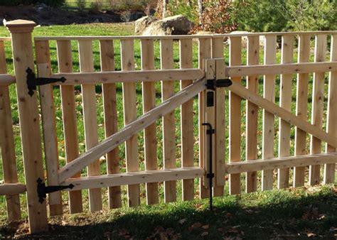 wood aluminum vinyl fencing contractor carlisle ma