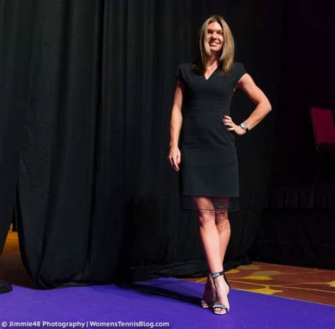 Players hit the purple red carpet at the 2017 WTA Finals