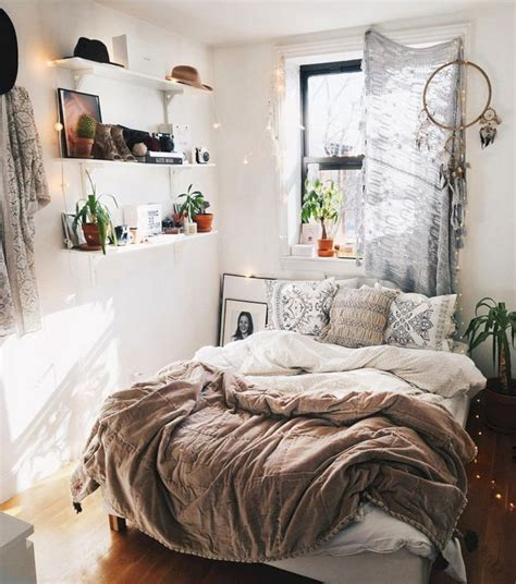 modern bedroom decorating   cozy