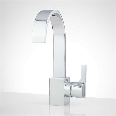 different types of tub faucets