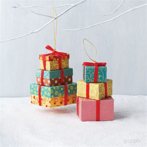 holiday stacked gift boxes ornament set
