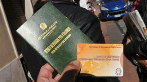 questura di catania permesso di soggiorno documenti falsi per ottenere il permesso di soggiorno tre