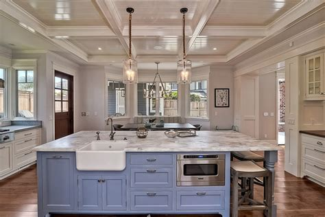 Kitchen Island Space by 63 Beautiful Traditional Kitchen Designs Designing Idea