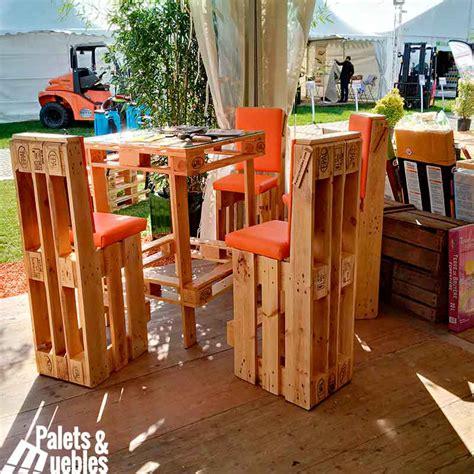 sillas con palets muebles hechos con palets mesa i sillas palets y muebles