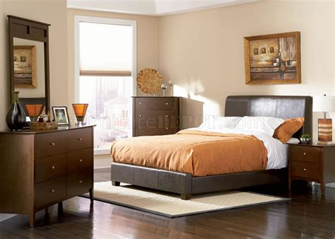 Brown Leather Bedroom Furniture Chocolate Brown Contemporary Bedroom With Bycast Leather Bed
