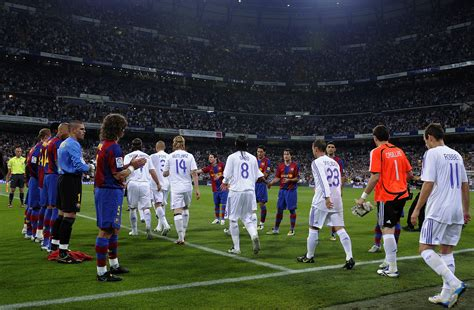 barcelona to madrid snapshot barcelona give chions real madrid a guard of