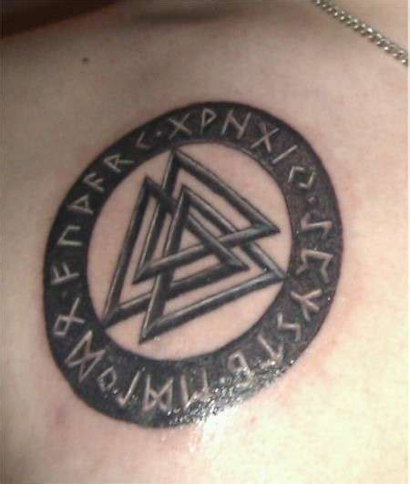 valknut tattoo meaning valknut norse symbol tattoo cool stuff pinterest