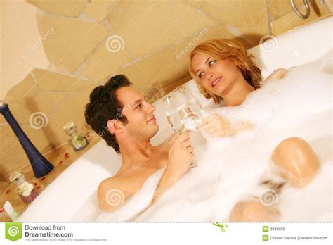 couple bathtub sweet couple kiss photo download auto design tech