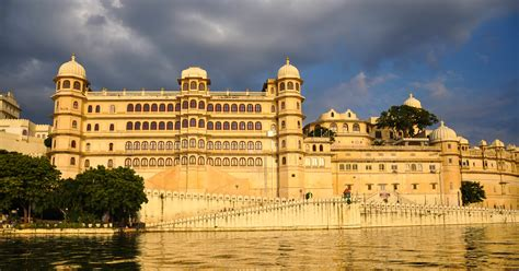 101 coolest things to do in rajasthan rajasthan travel guide india travel guide jaipur travel jodhpur travel jaisalmer udaipur books top 7 things to do in udaipur holidays genius