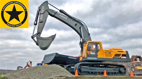 bruder excavator volvo ecdl rc  duty  bruder trucks construction site youtube