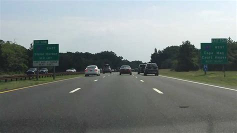 Traffic On Garden State Parkway South by Garden State Parkway Exits 17 To 10 Southbound
