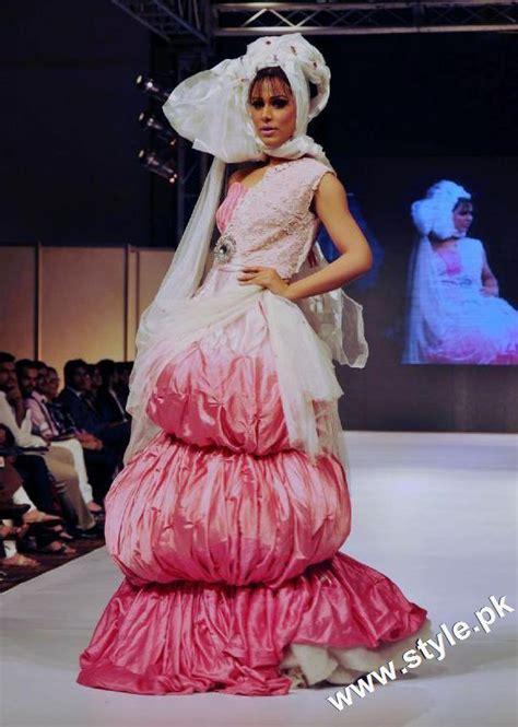 dress design karachi top designers collection at karachi fashion week 2011 day