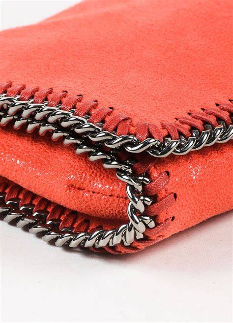 Smoky Gunmetal Adds Edge To A Chain Bracelet By Giles And Any From To Carpet Fashiontribes Fashion by Stella Mccartney Stella Mccartney Coral Gunmetal Chain