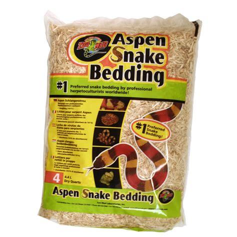 aspen snake bedding zoo med aspen snake bedding 4 4l sb 4