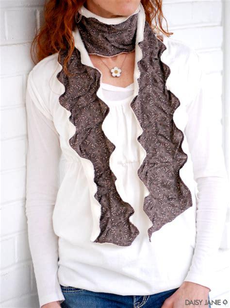 how to rumply undulating fabric and fleece scarf
