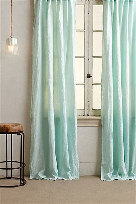mint green curtains 25 best ideas about mint curtains on pinterest bedroom