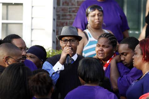 Vigil Held For Hudsons Slain Family Members by Vigil Held For Slain 27 Year Of 5 Local News