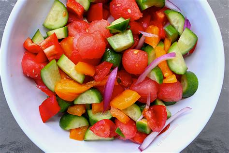 watermelon tomato salad new couple alert watermelon tomato salad c it nutritionally