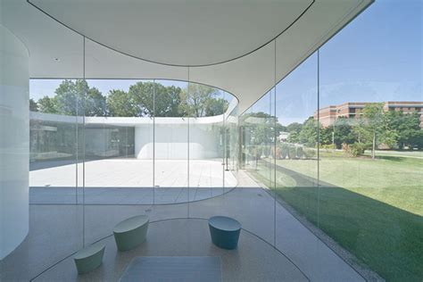 pavillon glas glass pavilion at the toledo museum of sanaa archdaily