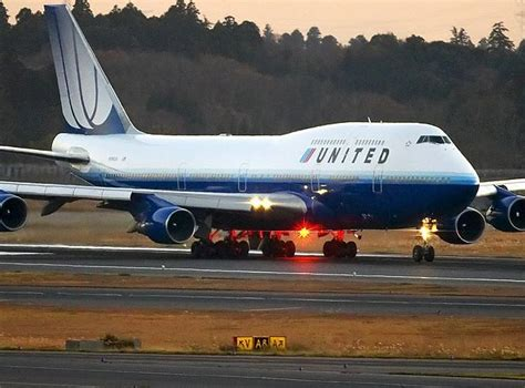 united airlines american airlines pilotjobs united airlines plans huge plane order