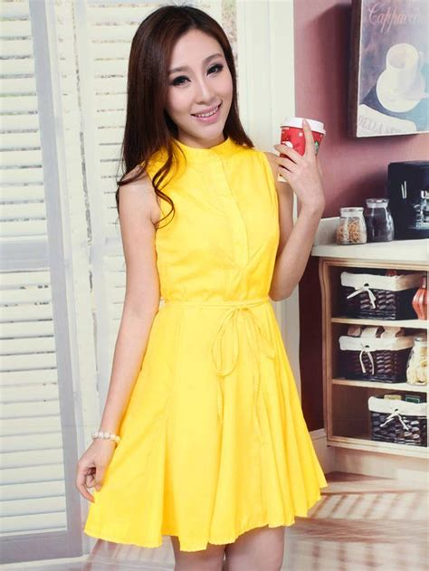 summer color yellow sleeveless dress with belt