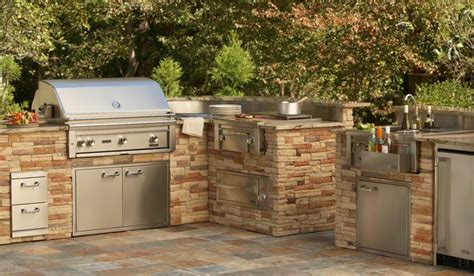 backyard grill bar lynx built in grill and outdoor bar