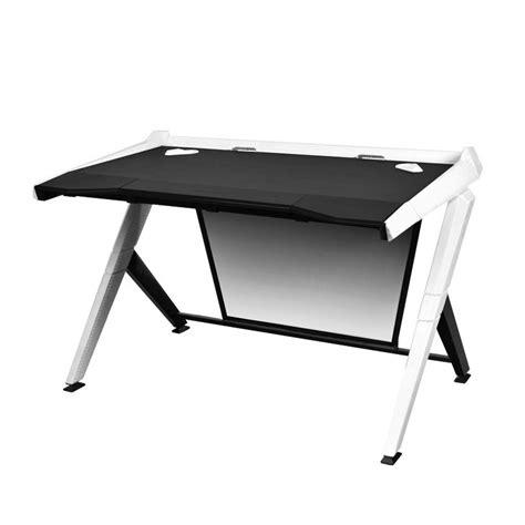 pc bureau gamer bureau de pc gamer dxracer noir et blanc fauteuil gamer