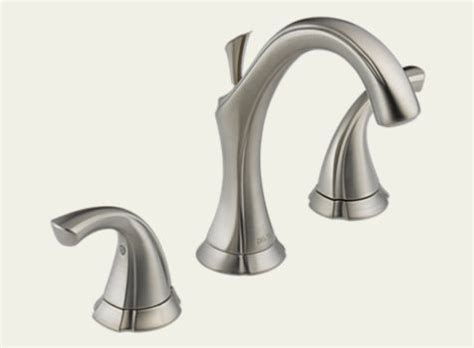 delta two handle widespread lavatory faucet 3592 ss