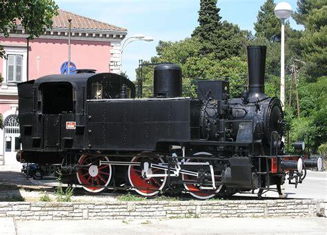 locomotiva testo locomotiva fs 835