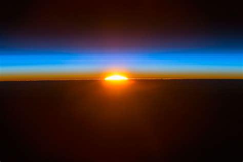 salida de sol la salida sol desde la estaci 243 n espacial internacional