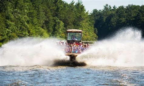 wild jet boat rides wild thing jet boat in wisconsin dells wi livingsocial