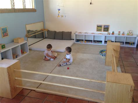 What Is A Montessori Bedroom 1000 Images About Nido Montessori On Pinterest