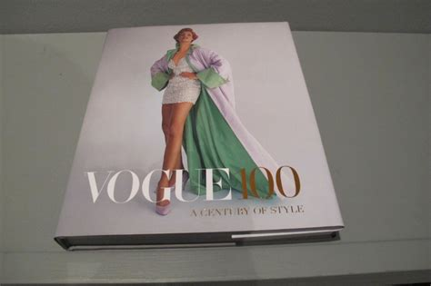 libro vogue 100 a century vogue 100 a century of style on cindy crawford s supermodels and coleen rooney controversy