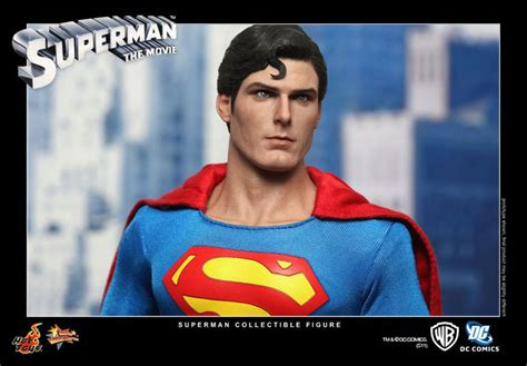 christopher reeve hot toys hot toys superman christopher reeve detailed images