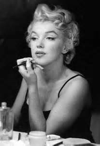 How Did Marilyn Monroe Die marilyn monroe did have chin implant x rays go up for