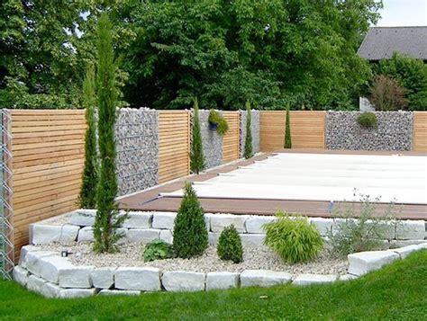 gabionen terrasse gabionen und holz sichtschutz kombiniert terrasse