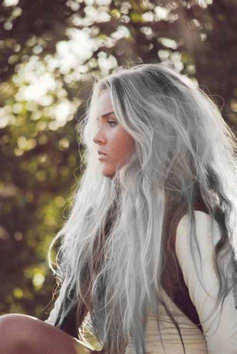 love the gray tendance les cheveux gris sont in