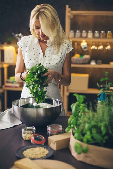 grow  indoor herb garden glamour