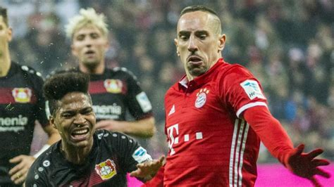 with his contract at bayern munich due to expire in 2011 ribery bundesliga ribery signs new bayern munich contract
